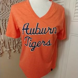 New Under Armour orange vneck t-shirt Auburn m